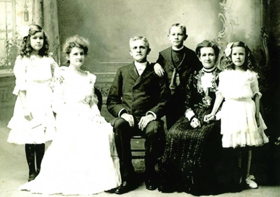 7. 엘라 닷지 아펜젤러와 네 자녀, 1901.jpg